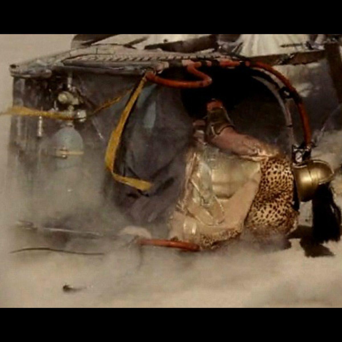 movie-mistake-gladiator-chariot-gas-tank