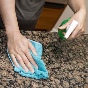 Cleaning-kitchen-countertops