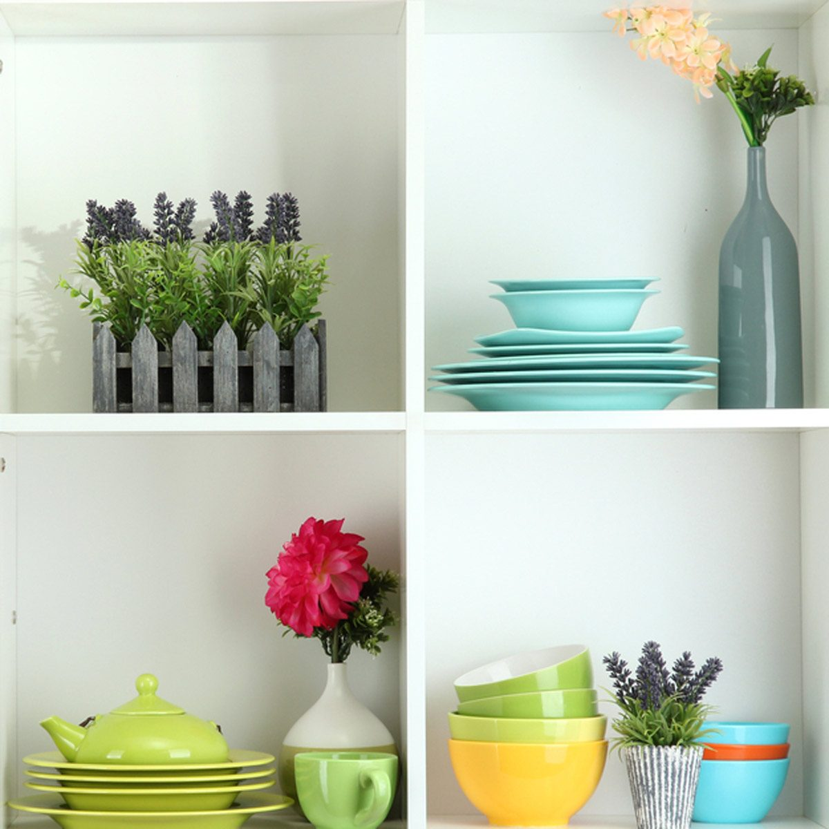 shutterstock_126715268 open shelving kitchen bowls organization