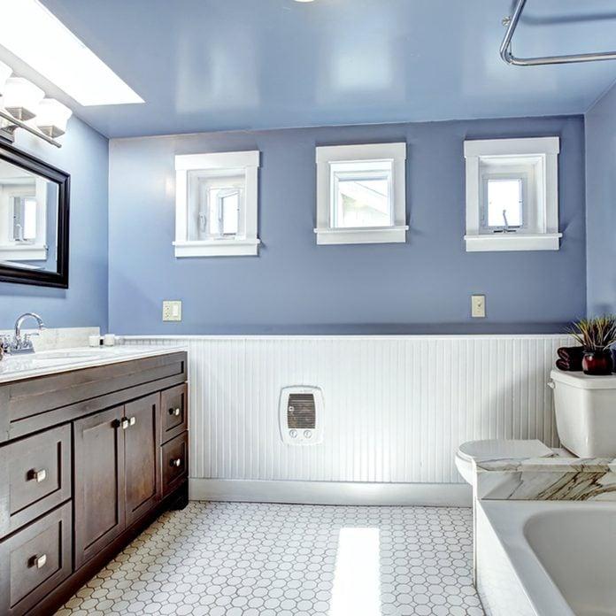 shutterstock_215259730 bathroom wainscoting