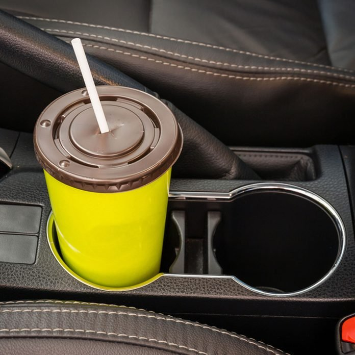 clean cup holders in car