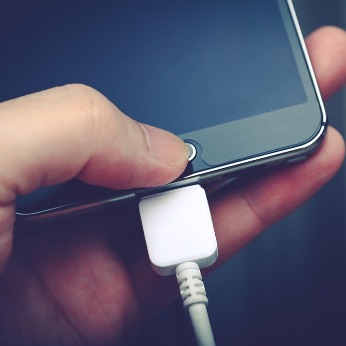 charging phone in car