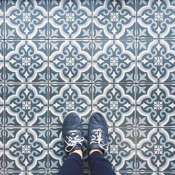 tile floor pattern blue