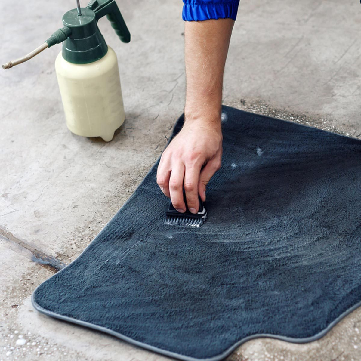 cleaning car mat rug