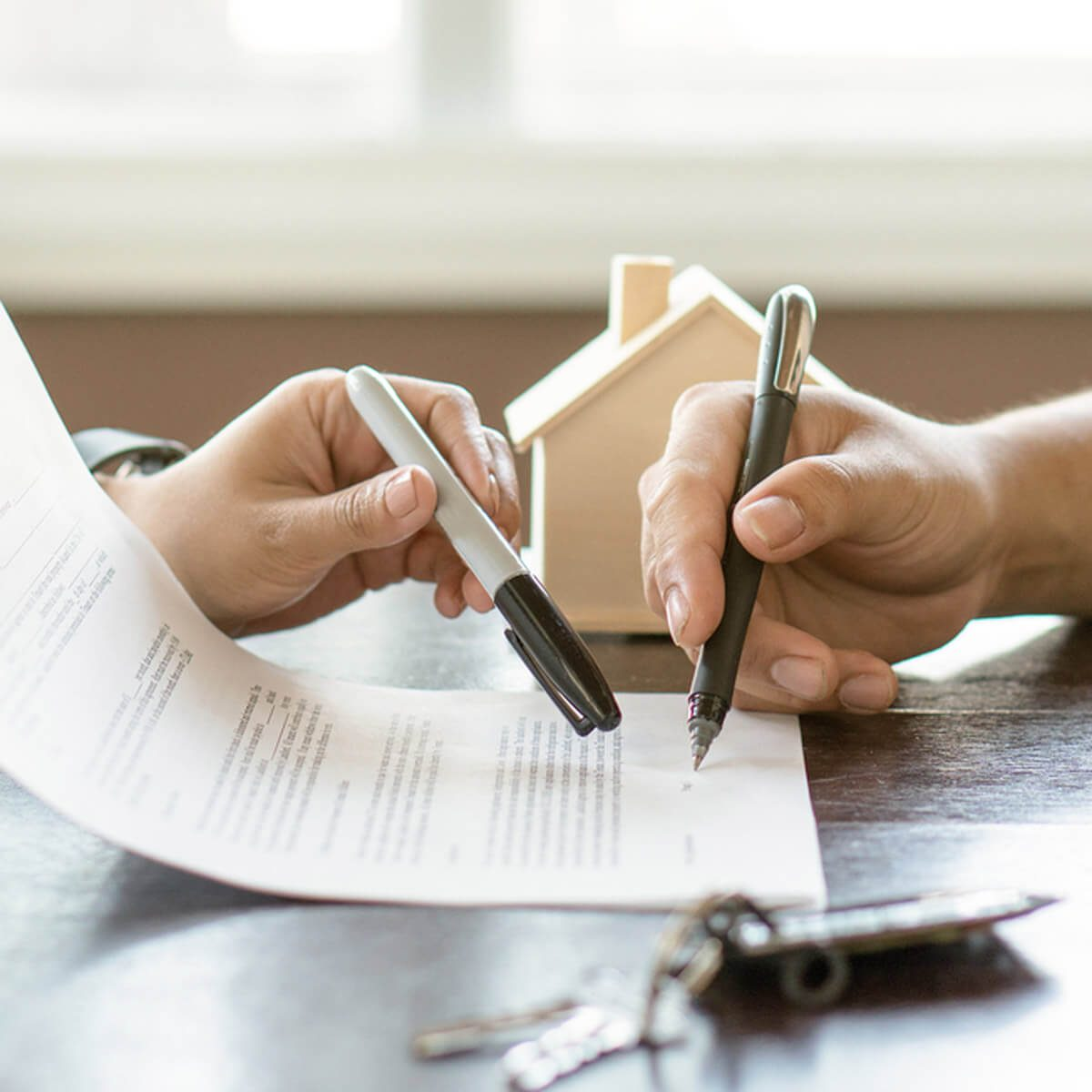 signing a lease security deposit renting