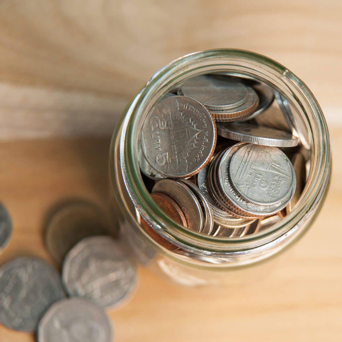 change-jar-of-coins