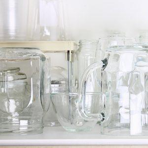 shutterstock_739269280 open shelving glasses