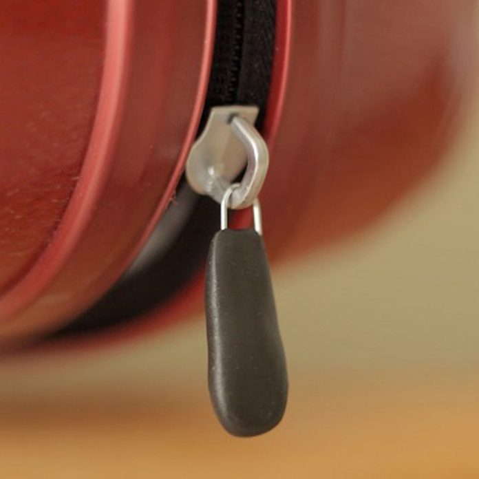 sugru'd_zip_560 zipper repair