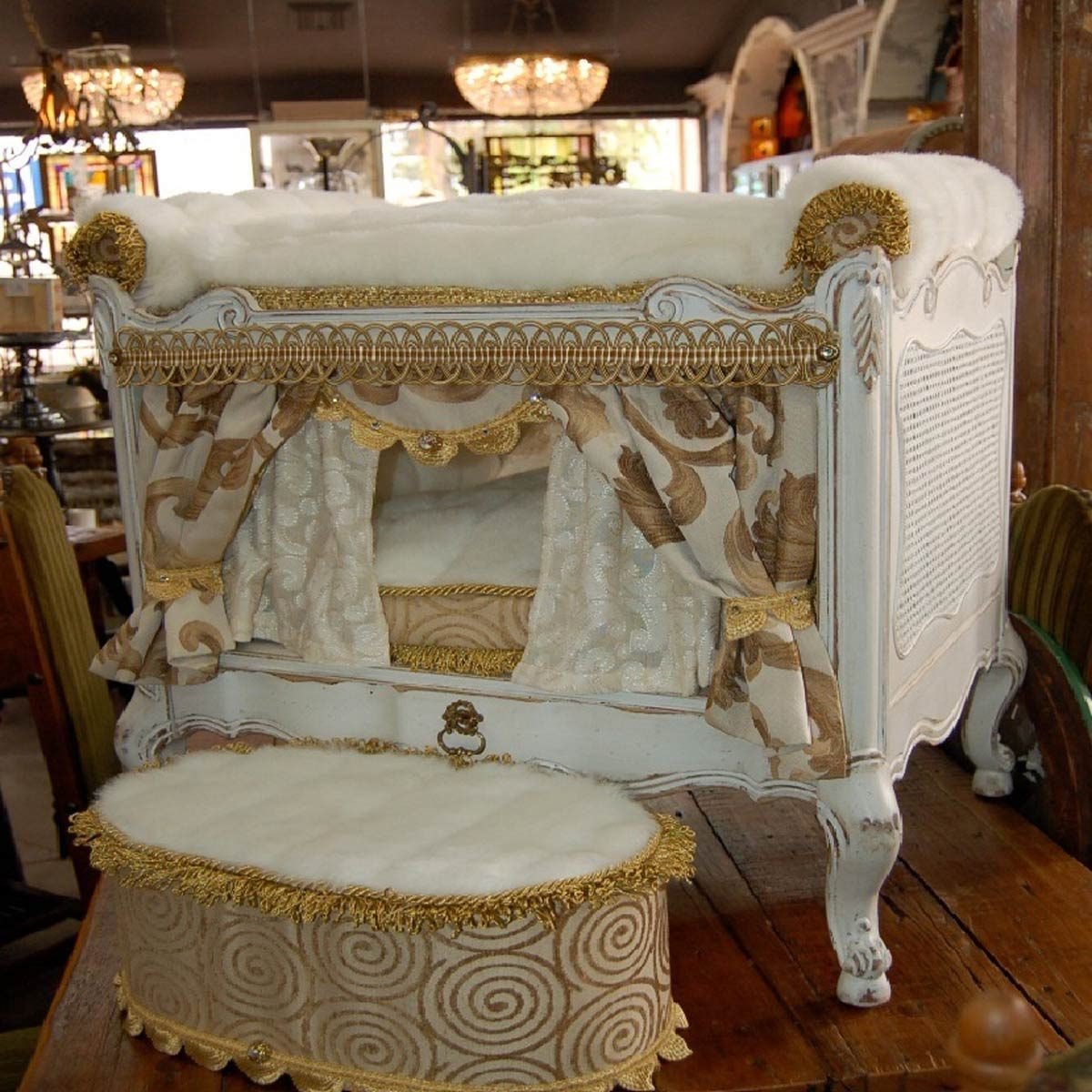 ornate dog bed king
