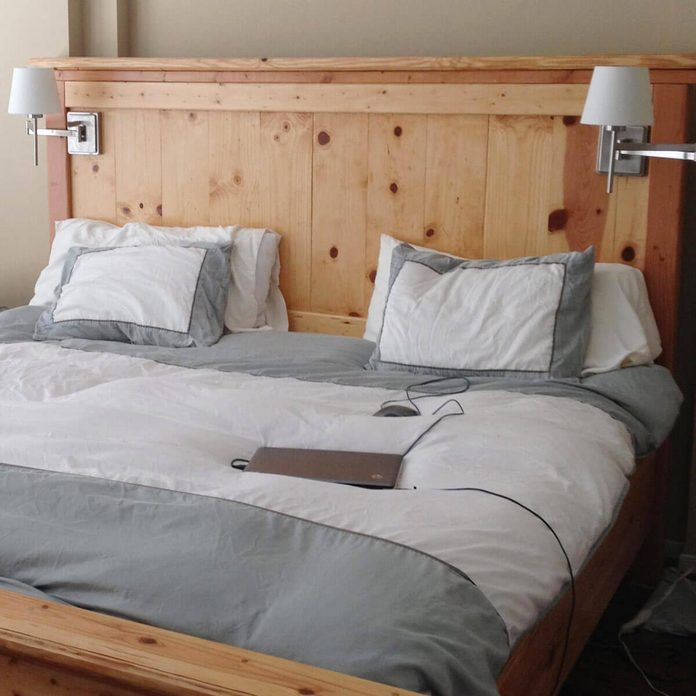 Build a Traditional Rustic Bed
