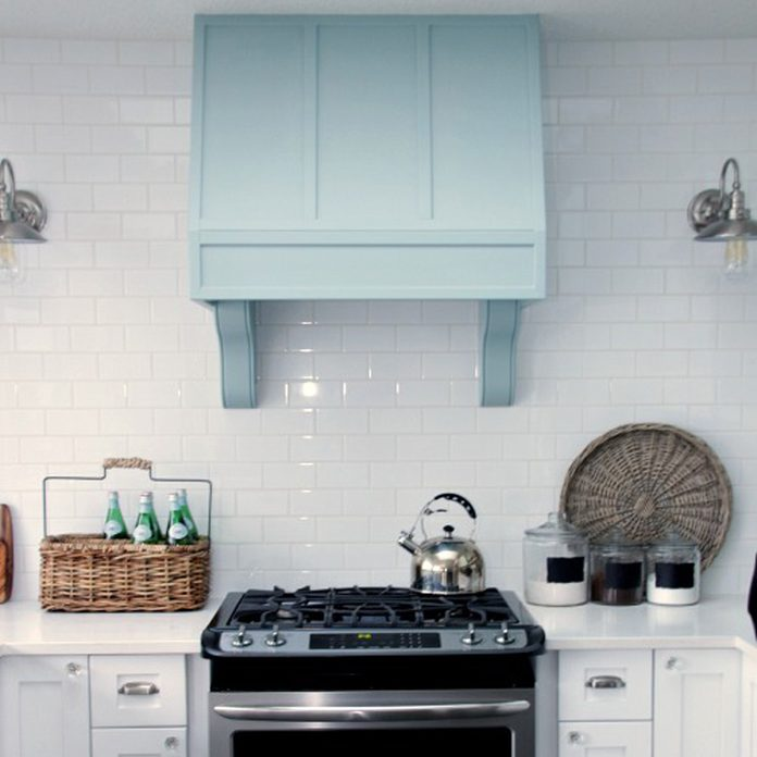 corbels to decorative vent hood
