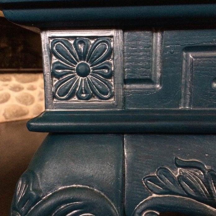 Furniture Metallic Paint Accent