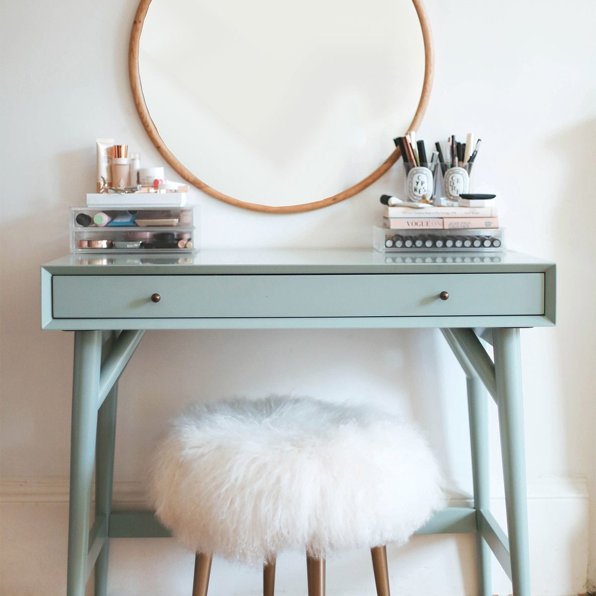 make-up table beauty vanity