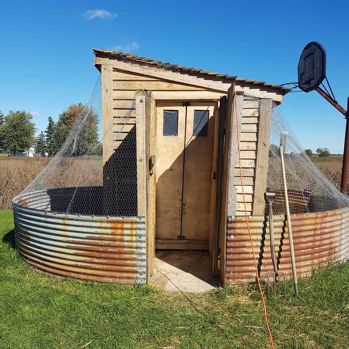 Wonderful Diy Recycled Chicken Coops: 14 Backyard Chicken Coops