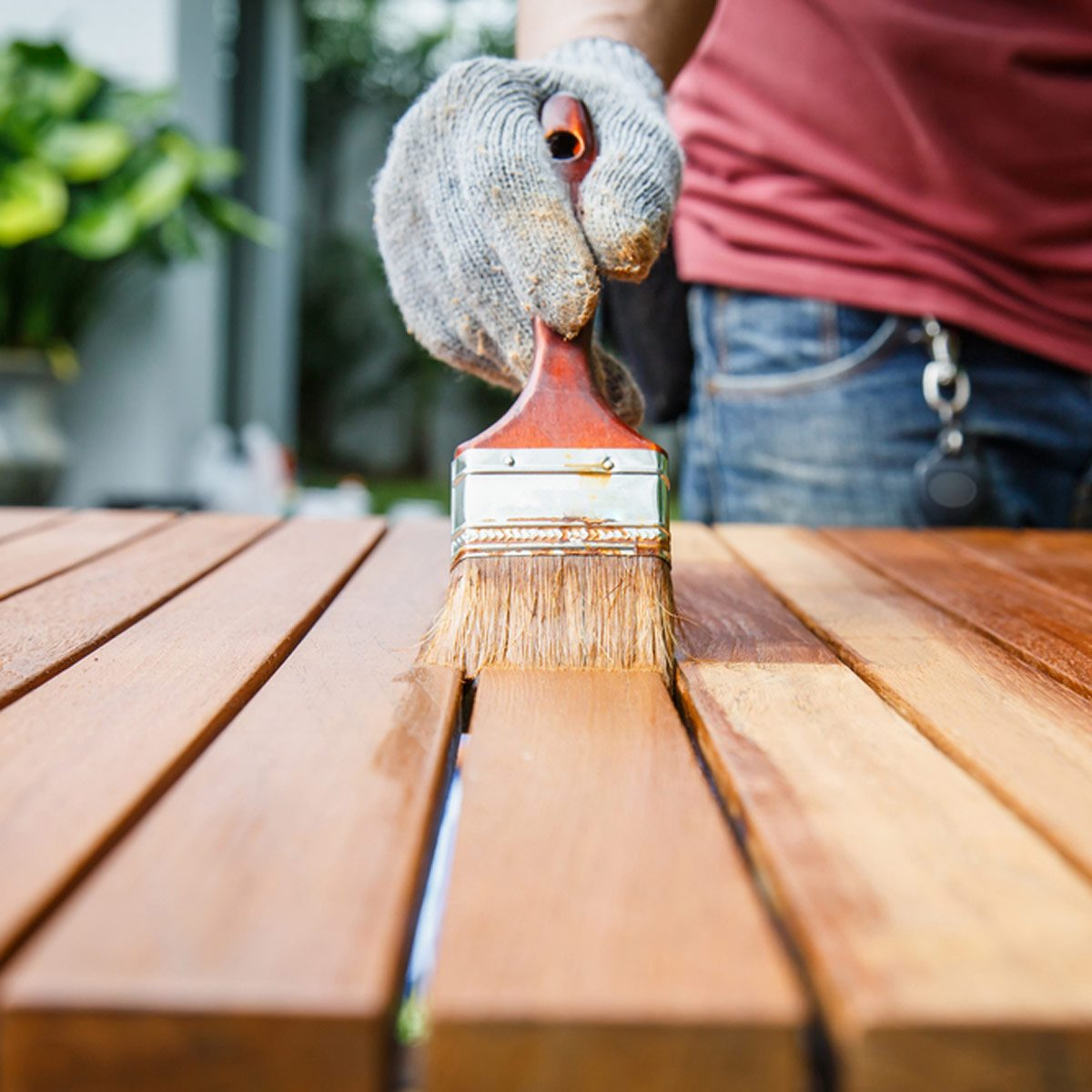 staining outdoor wooden furniture