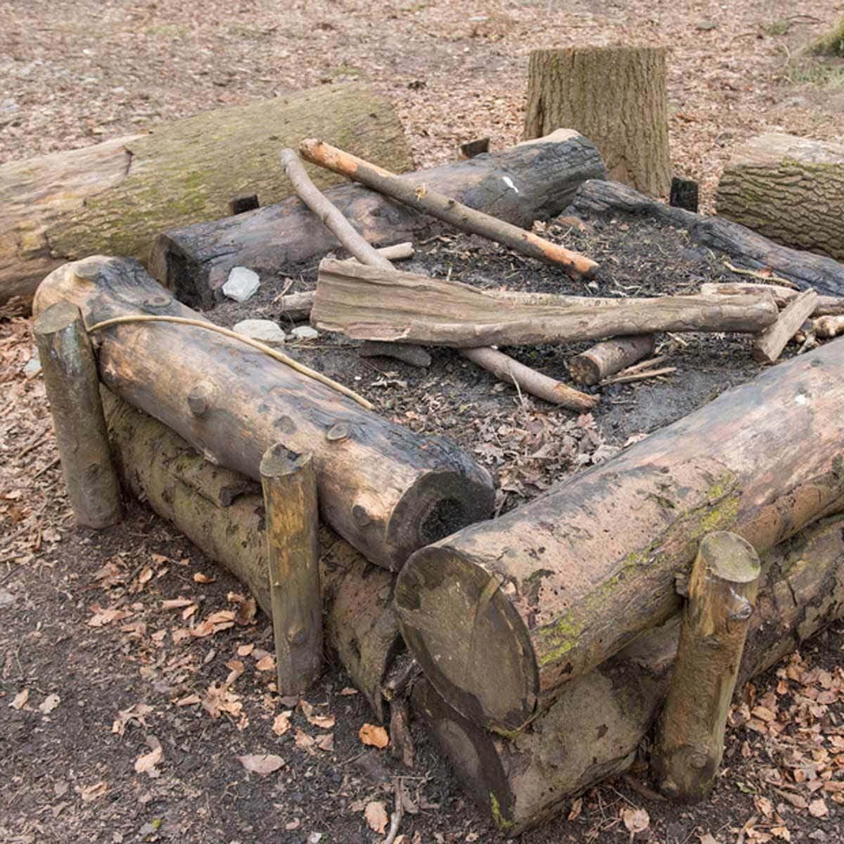 Logs fire pit