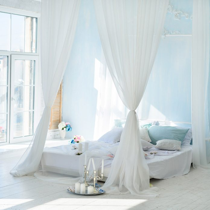 valentine's day Dreamy Canopy Bed