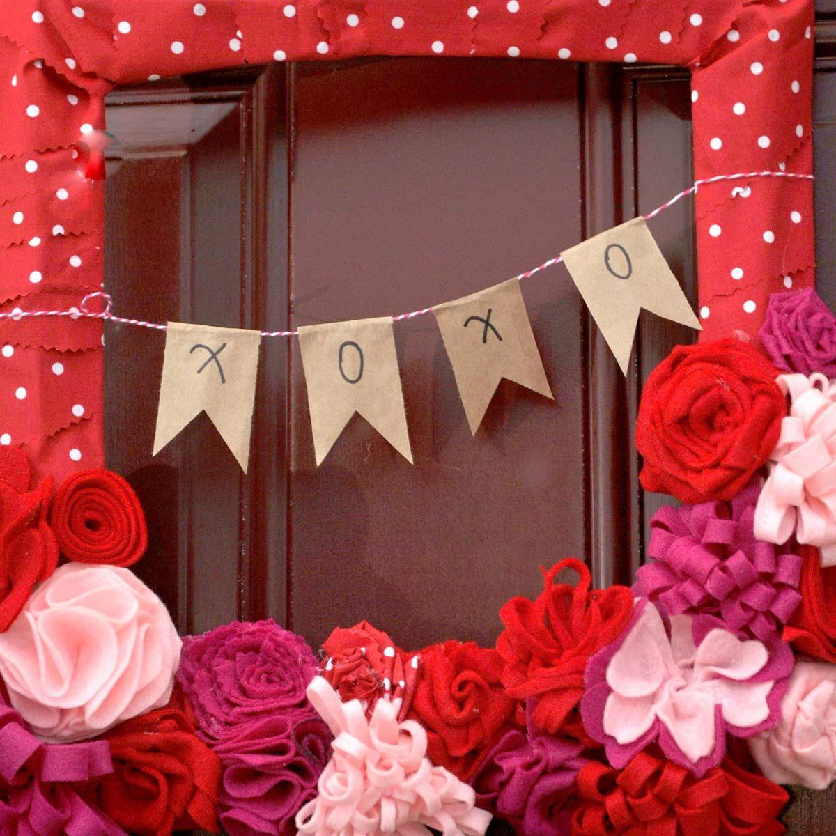 square valentines wreath
