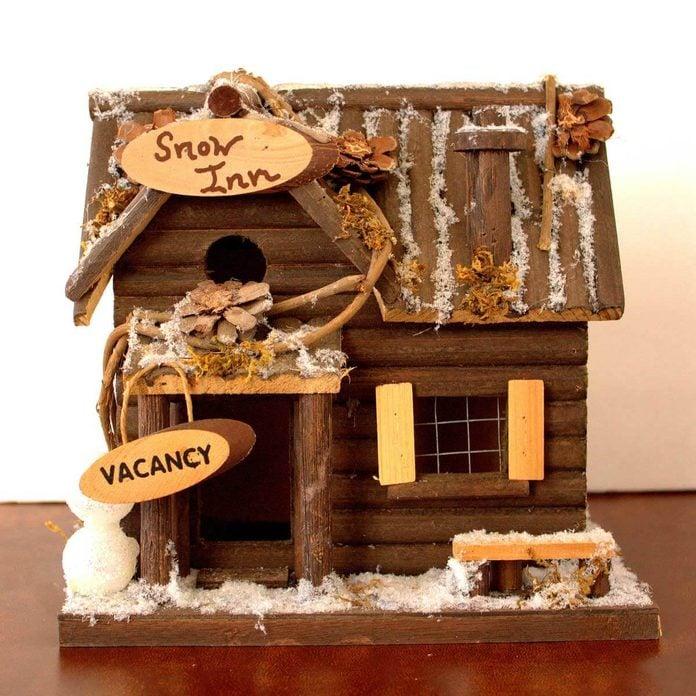 winter log birdhouse