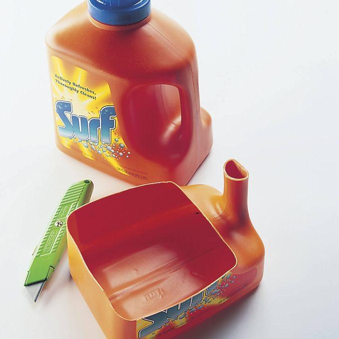 detergent paint can