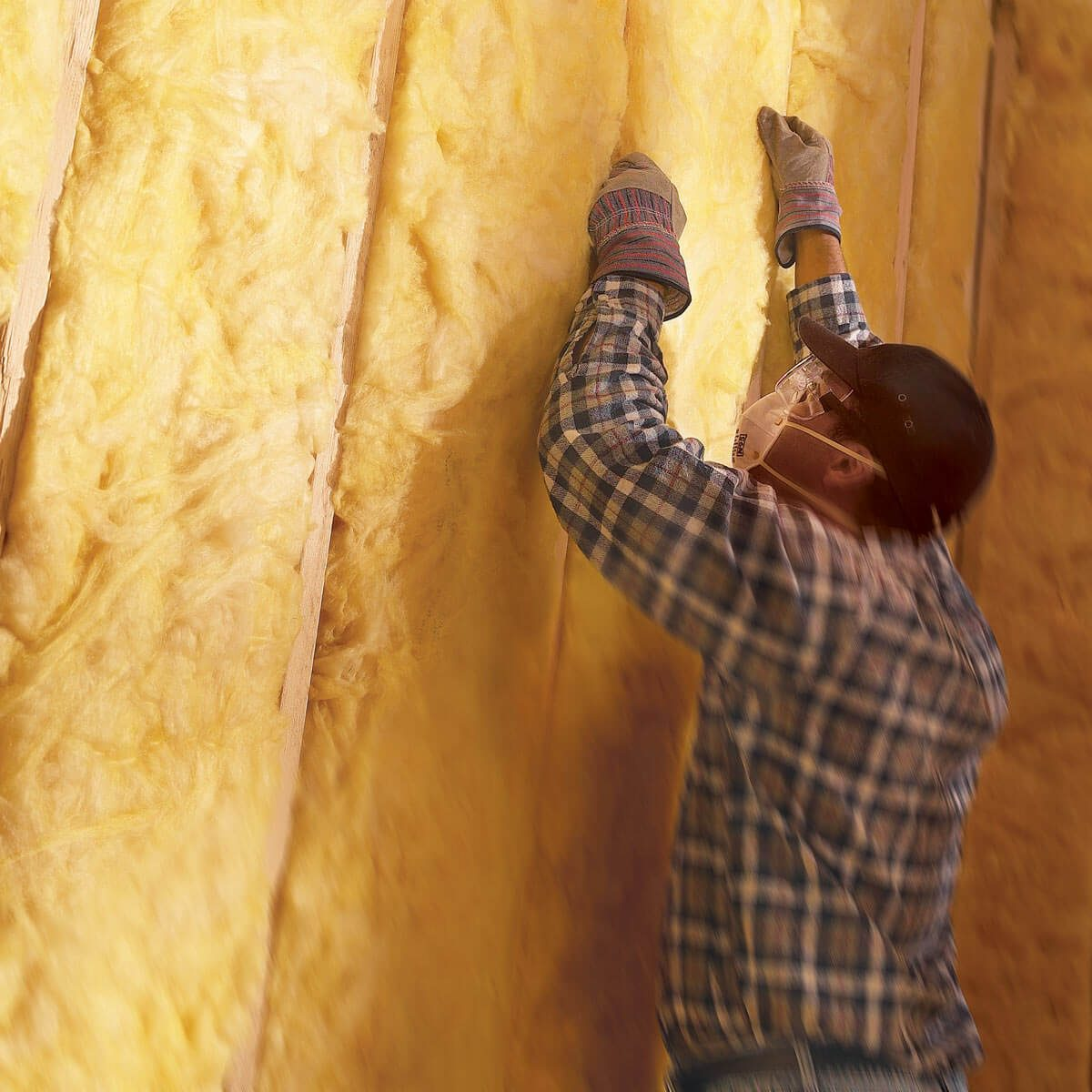 Here S Why You Should Use Spray Foam Over Fiberglass
