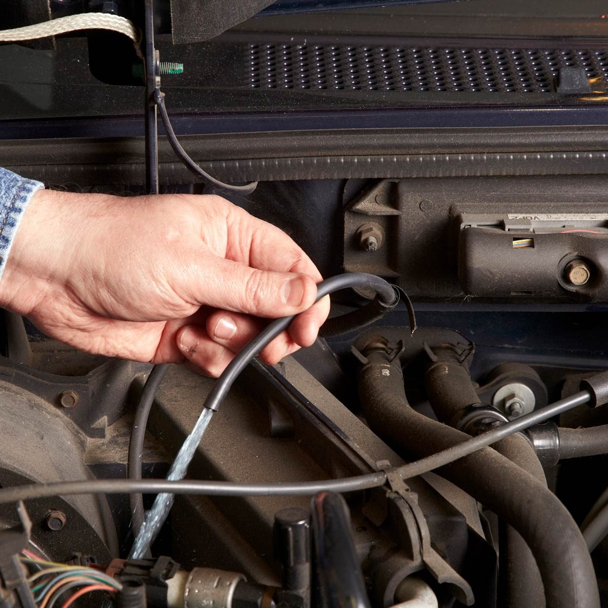 100 Super Simple Car Repairs You Dont Need To Go The Shop For 70 Bee Wiring Diagram Troubleshoot Windshield Washers