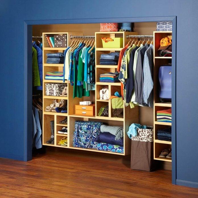 How to declutter closet