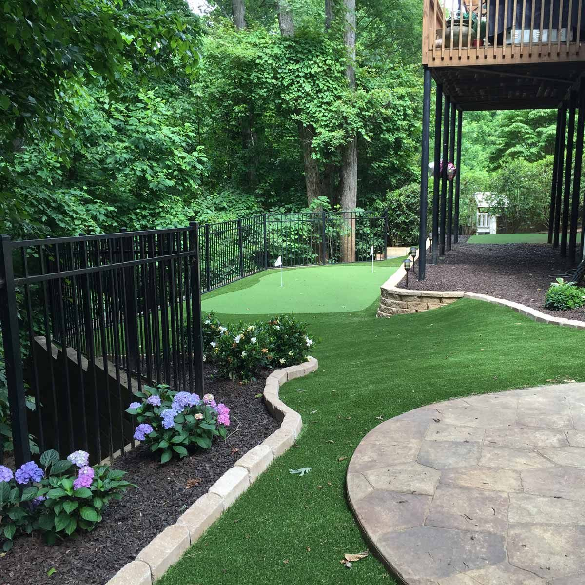 19 Crazy Cool Backyard Putting Greens