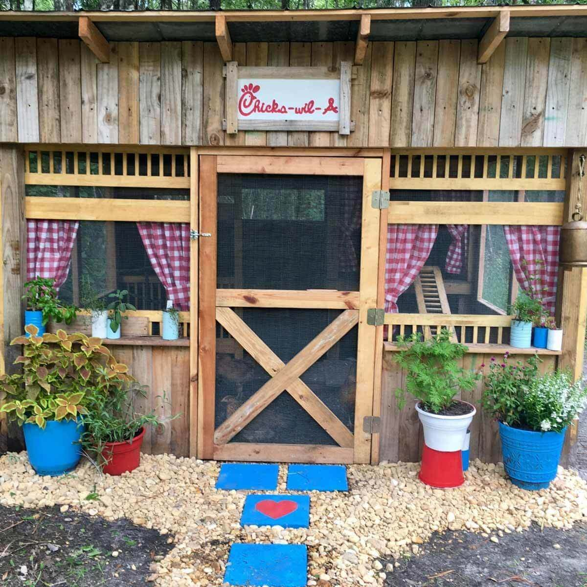 14 Chicken Coop Ideas And Designs You Can Build Yourself