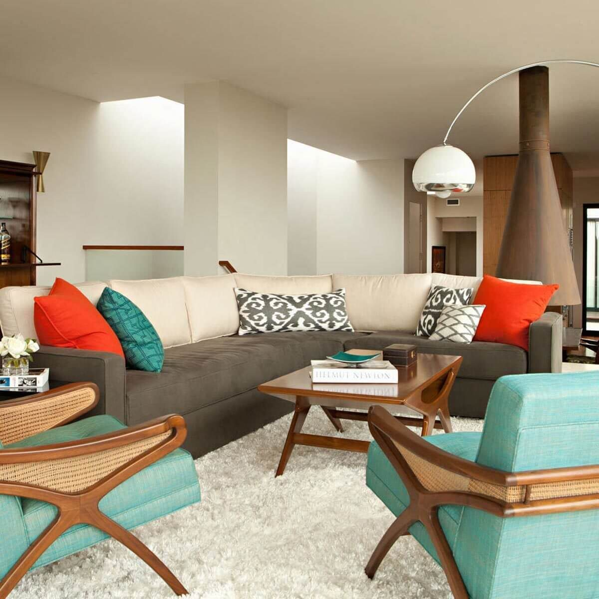 14 iconic mid century modern decor elements family - Modern family room design ideas ...