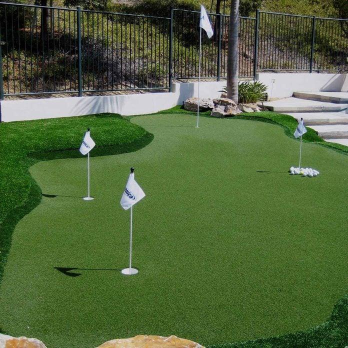 19 Crazy Cool Backyard Putting Greens, Build Putting Green In Garden