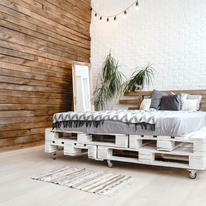 Pallet Wood Accent Wall Bed Frame