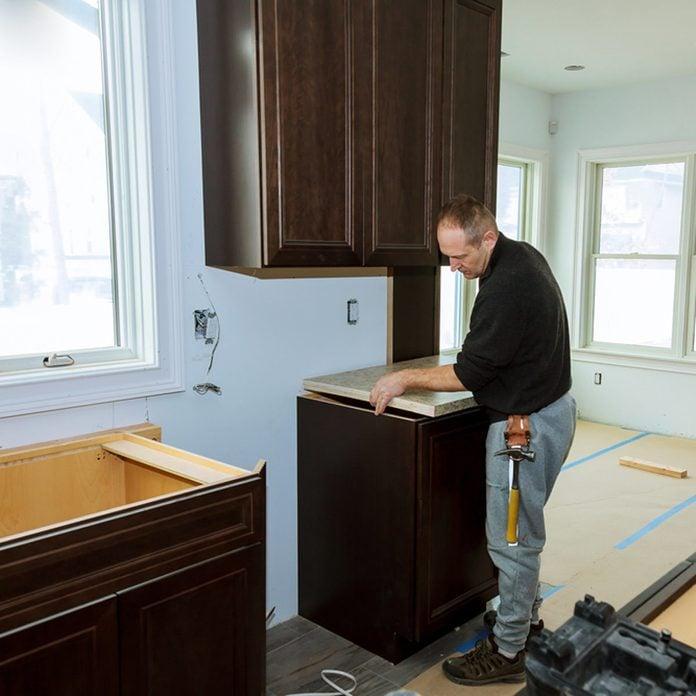 installing kitchen countertops