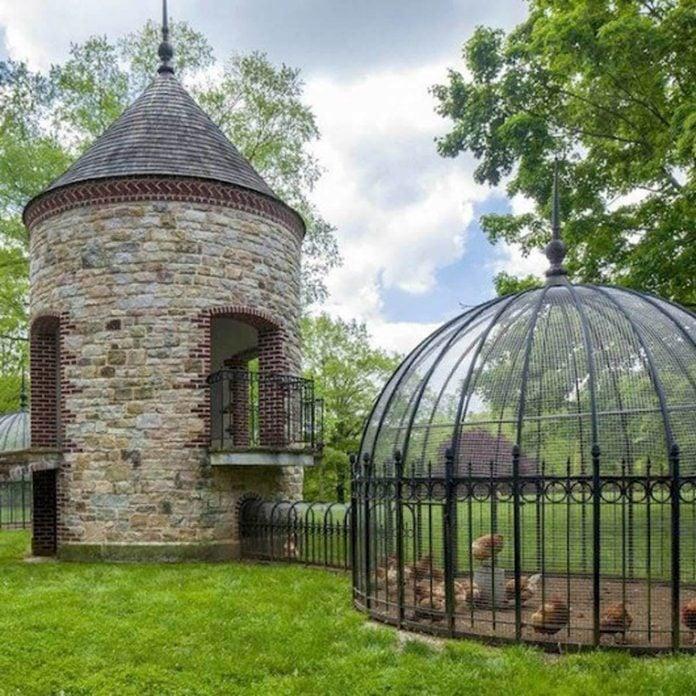 chicken coop castle turret chicken coop ideas diy