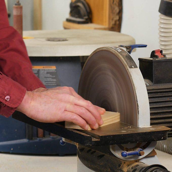 disk sanding dust