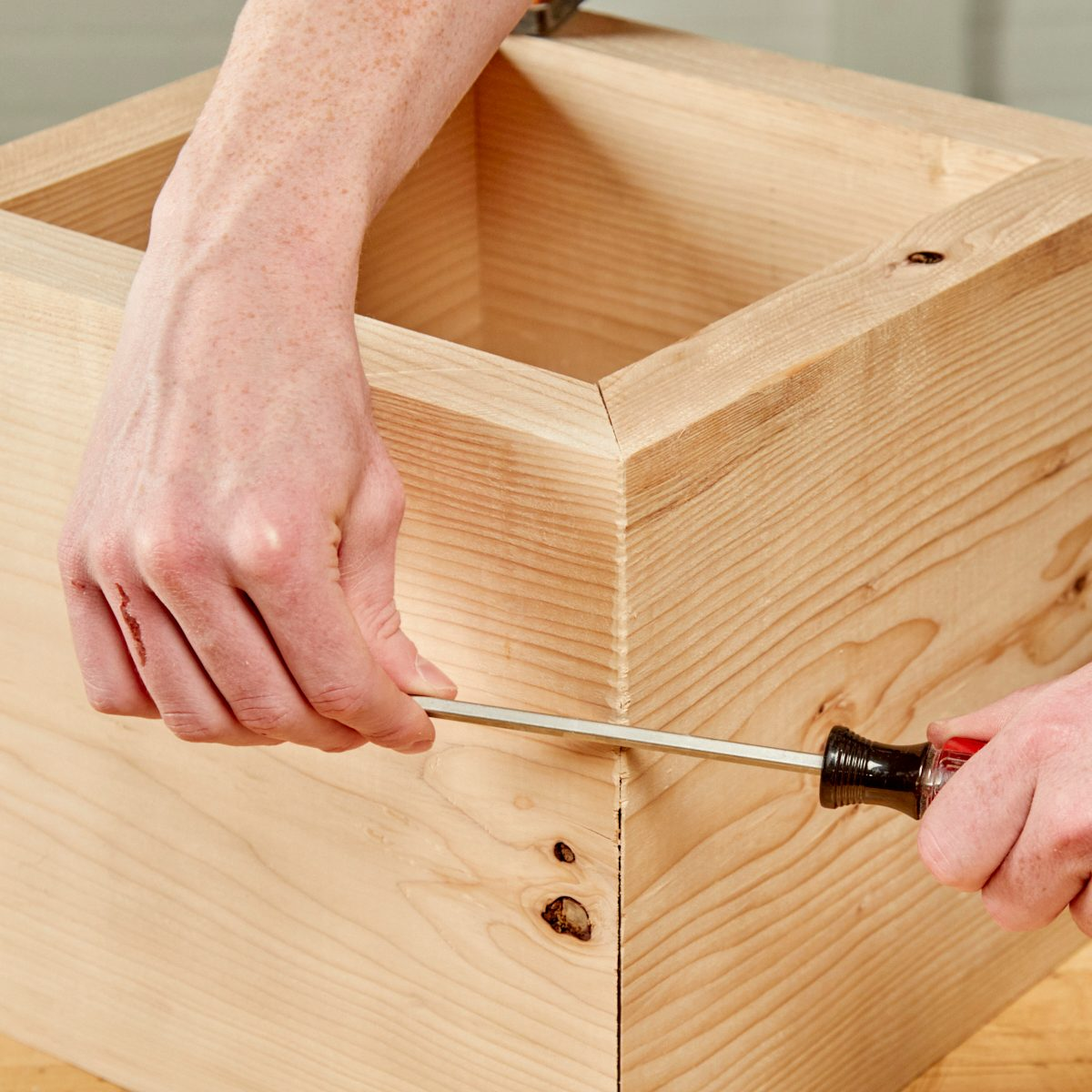 Screwdriver Miter Closer Handy Hint