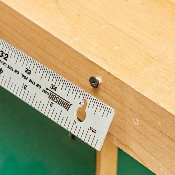 HH keyhole ruler to workbench
