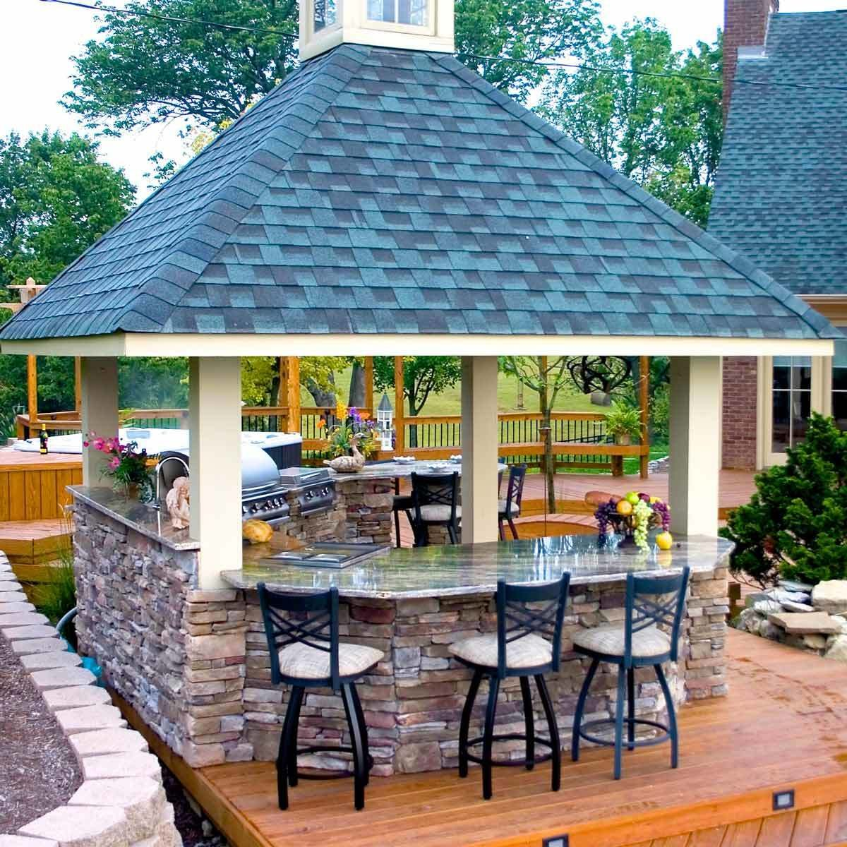 Combination Outdoor Kitchen and Bar