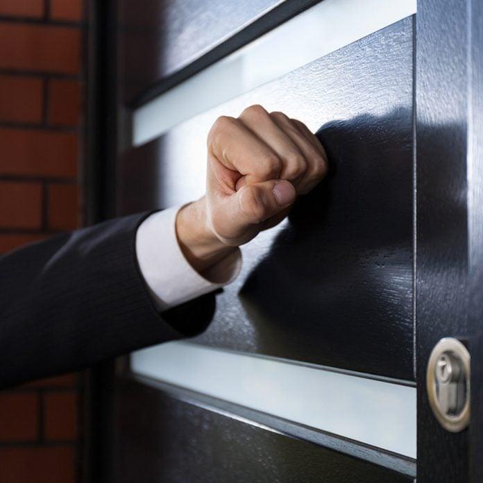 door to door salesman knock home improvement scam