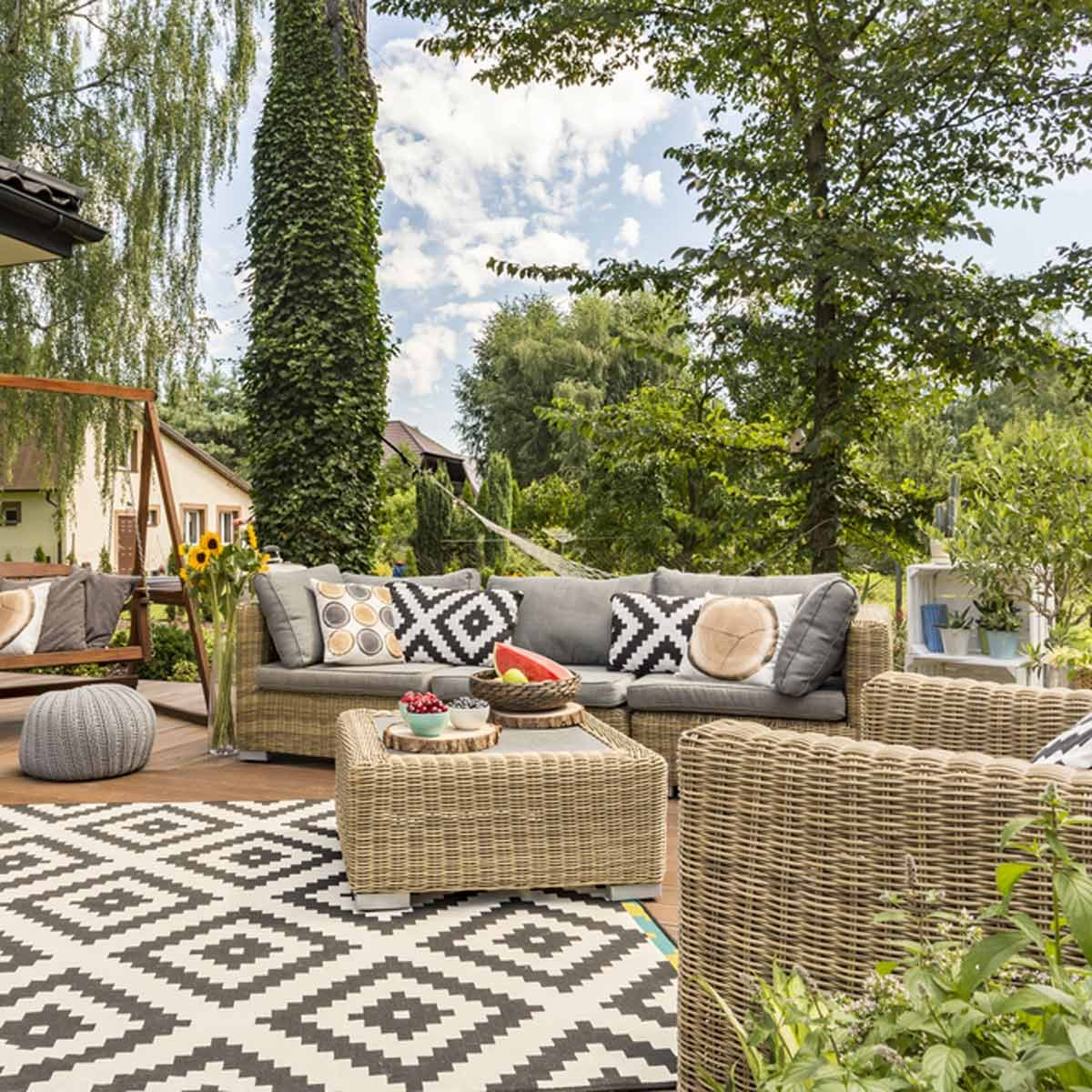 chevron patterned patio decor