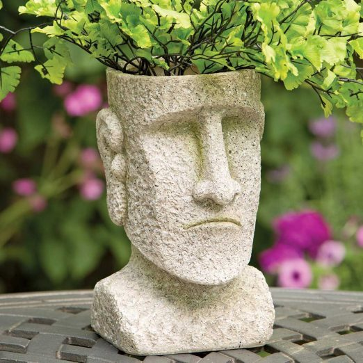 11 Tacky Lawn Ornaments That Need to Stay In Storage