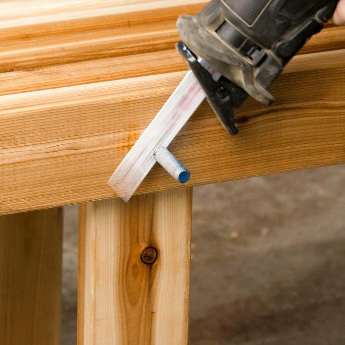 Trestle bench cut the threaded rods