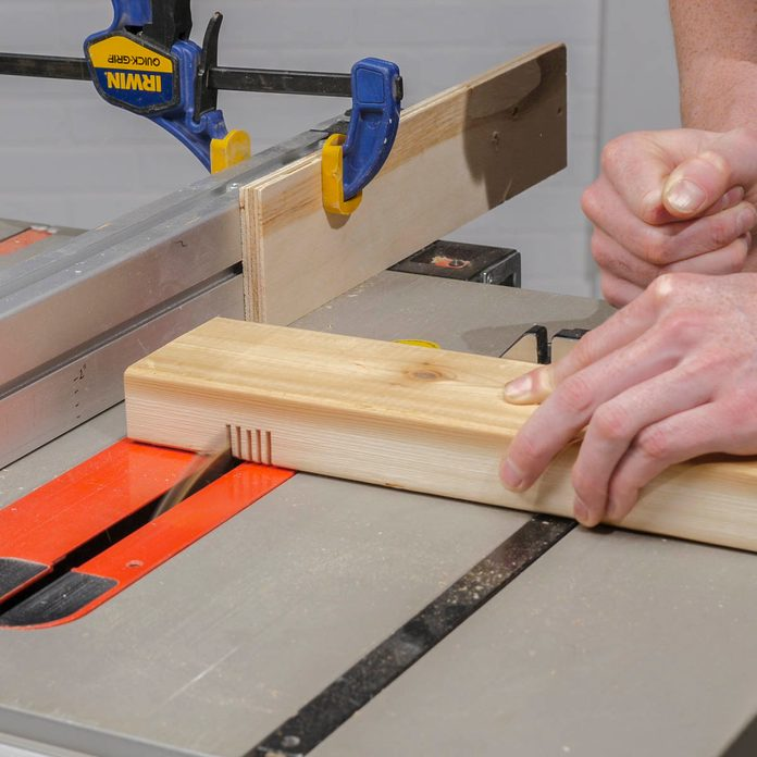 Trestle bench cut notches on table saw