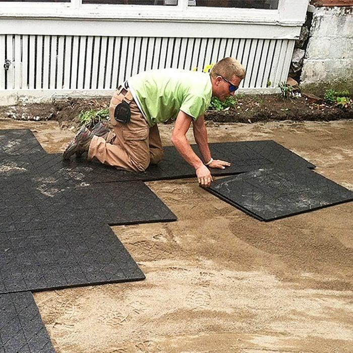 Lay Panels on leveled sand
