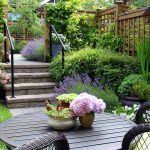 14 Smart Small Yard Landscaping Ideas