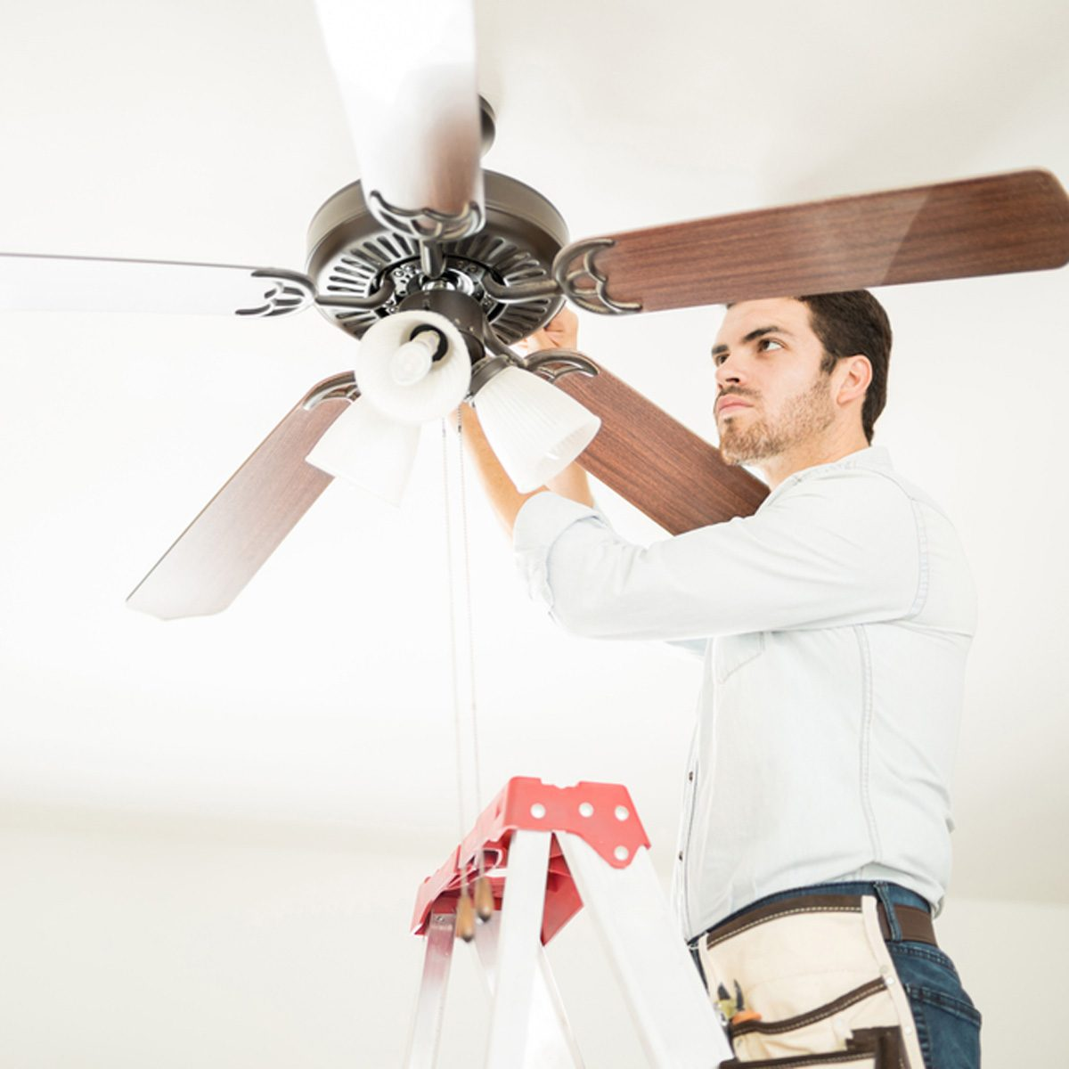 Set Your Ceiling Fans To Rotate Counter Clockwise