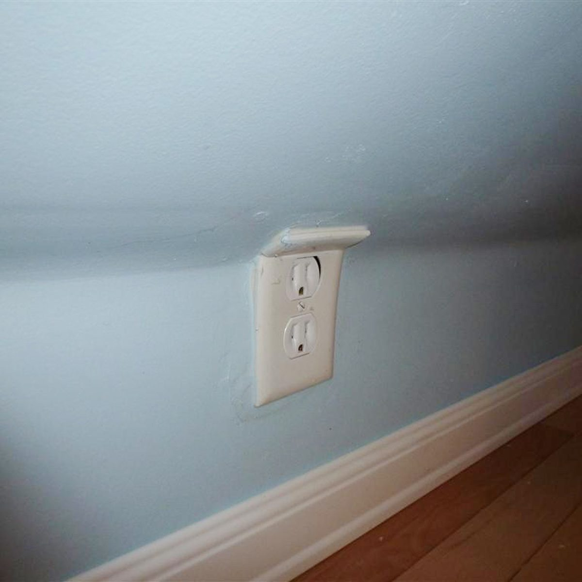 Bent-outlet-cover