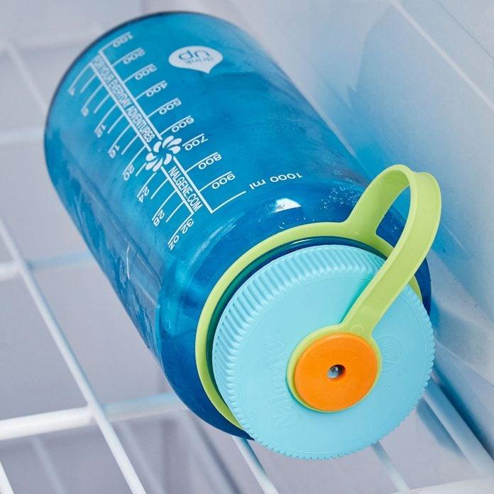 HH icy drinks water bottle frozen