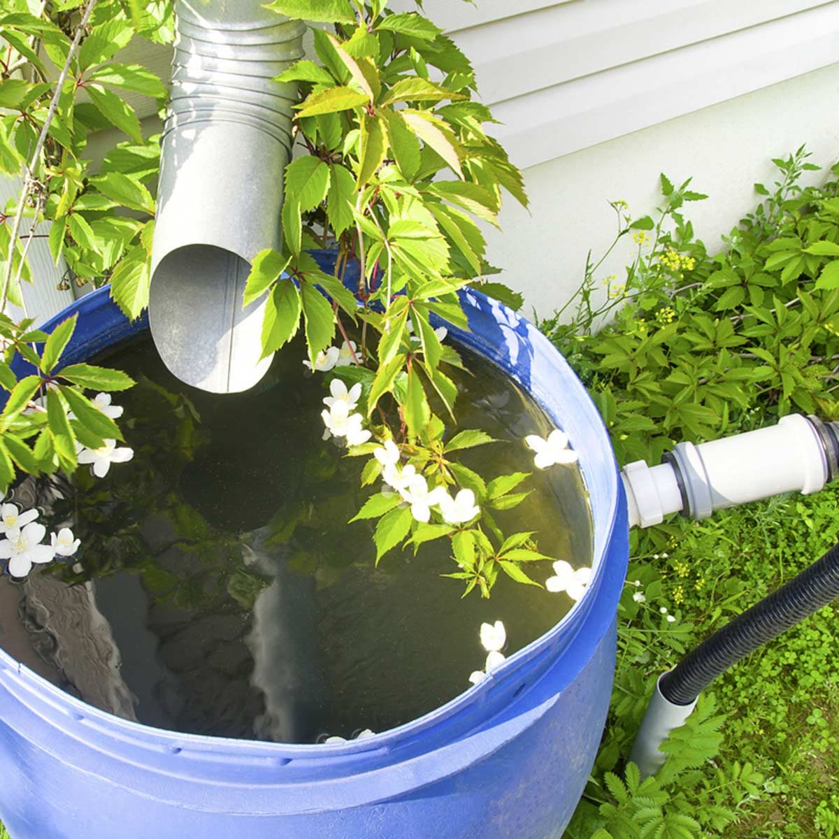 Start Spending Less Time Doing Yardwork With These Tips