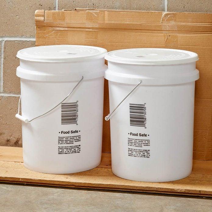 plastic water pails 5 gallon bucket